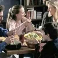 有爱才有家,在一起吃饭就是最好的教育