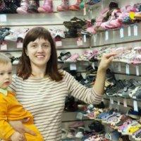 一双鞋毁掉两条腿!这6种畅销凉鞋再好看也别给孩子穿!