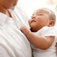 抱娃十二时辰!面对喜欢抱睡的宝宝,用这招就够了!