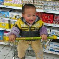 注意!2岁男童从购物车摔下照常玩耍,第二天却去世了!