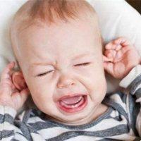 这些伤害宝宝耳朵的举动,你或许正在做!