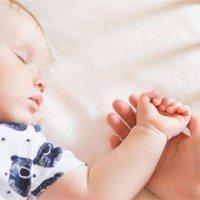 孩子有这几种表现,再不考虑跟孩子分床睡就迟了,尤其是男孩!