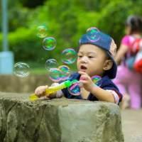三岁看大七岁看老,孩子由谁带真的很重要!