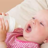 为什么宝宝会吐奶?很可能是这些原因造成的。