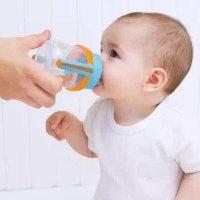 温馨提示:别随意给宝宝喂水