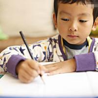 孩子做作业拖拉的五大雷区,你家中了几个?网友:第一个就躺枪