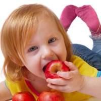 小孩便秘应该吃哪些食物了?小孩便秘有哪些危害?家长们都知道吗