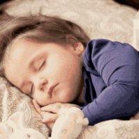 孩子睡觉的几种习惯,可能影响到孩子的发育,家长可要做好榜样