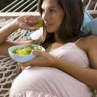 孕期妈妈没吃饱饭, 胎儿可能有什么反应? 看完有点惭愧又忍不住笑