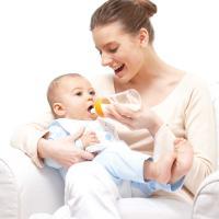 宝宝从母乳转喝奶粉,很多妈妈都会忽略这3个细节