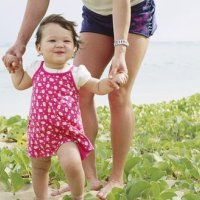 宝宝越早学会走路越好?别被骗了