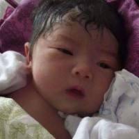 新生儿从出生就开始不停哭,全身检查后没有用,打开嘴巴后愣了