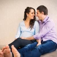 """怀孕期间""""亲密关系""""还可以有吗?可以,做好这些对大人孩子都好"""