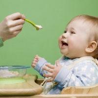 宝宝不爱吃辅食?育儿专家告诉你!