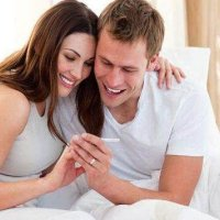 如果在备孕期,身体同时发出了2种信号,多半是怀孕了