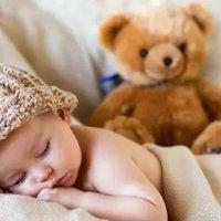 孩子趴着睡,身体发出什么警告呢?