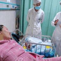孕妇出院10天, 被紧急送医院, 医生骂家属送晚一点产妇就没命了