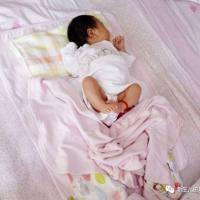 孩子睡觉为什么总踢被子,最后一个原因妈妈们要注意!