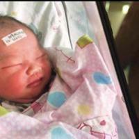 二胎孕妇火车站内突然临盆,候车室搭起临时产房