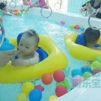 婴儿游泳池里放的玩具有讲究!