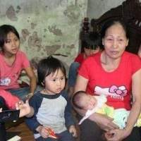 女子28岁生了6个孩子,现在又怀孕,生活艰难的吃不上肉还要生