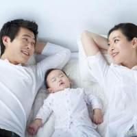 有了宝宝后,夫妻是分开睡,还是一起睡?看看这些宝妈怎么说!