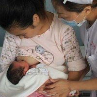 为什么剖腹产都要插尿管,会不会对产妇健康有影响?