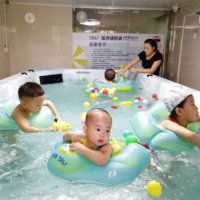 冬季到来,婴儿游泳的时间需要调整吗