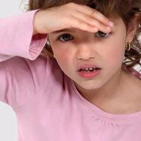 视觉问题困扰儿童的八个信号