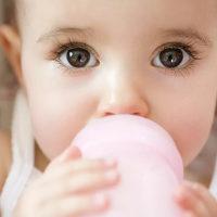 咪嘛月嫂母婴大讲堂:这样冲奶粉实际是在害宝宝,一半以上的新手爸妈都中招!