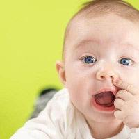 注意:新生儿宝宝免疫力低,总哭闹!专家教你一个妙招巧解决