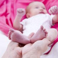宝宝大便偏稀、次数多就是腹泻?秋季腹泻和普通腹泻有什么不同?