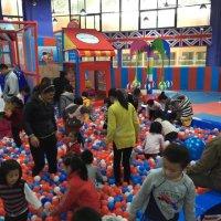 海洋球可以与哪些室内儿童游乐设备搭配使用?