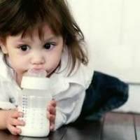 妈妈注意了!宝宝喝牛奶4种情况会受伤害
