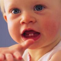 宝宝长牙 护理双重法则