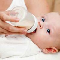 母乳喂養PK奶瓶喂養 勝利花落誰家