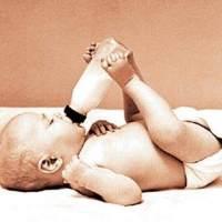 宝宝游泳的好处和注意事项