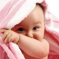 """哺乳期妈妈的奶水不足不用愁  这样判断宝宝""""吃饱喝足"""""""