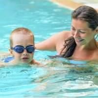 孩子游完泳回来,竟然成这样子了