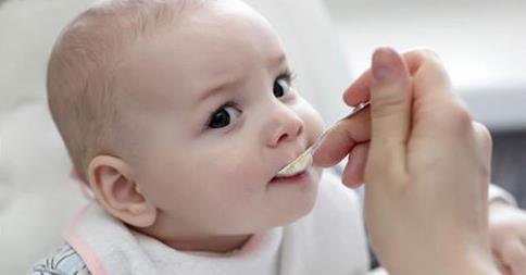 宝宝几个月可以吃盐