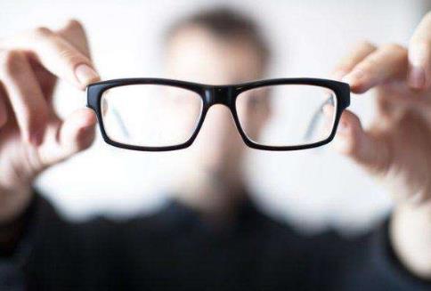 近视眼手术