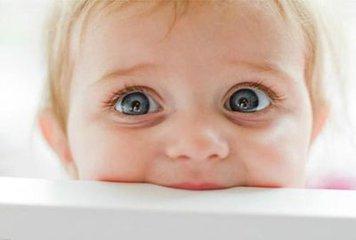 新生儿眼睛护理