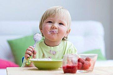 新生兒飲食