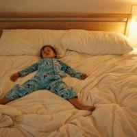 過節玩瘋了,娃晚上不肯睡覺?試試這招,專治節后睡眠綜合征!