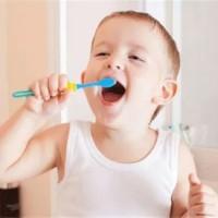 寶寶多大開始刷牙好? 99%的家庭都做錯了!