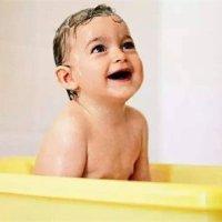 夏天给宝宝洗澡,这些禁忌你不得不防!