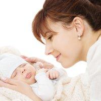 宝宝是谁抱得多就和谁亲?错过3个关键期,孩子和妈妈可能都不亲!