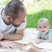 宝宝如何健康的晒太阳?这几点没做好,小心晒伤眼睛和皮肤!