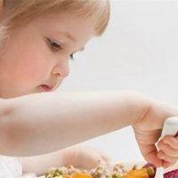 这9种喂养方式,家长不要再做了!小心伤害宝宝!