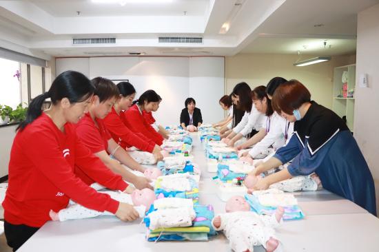 """热烈祝贺家家母婴职业培训学校被评为""""深圳市家政服务培训示范基地""""!"""